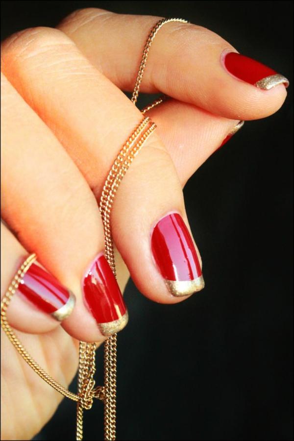 rote Gelnägel zu Weihnachten rote fingernägel motive kette