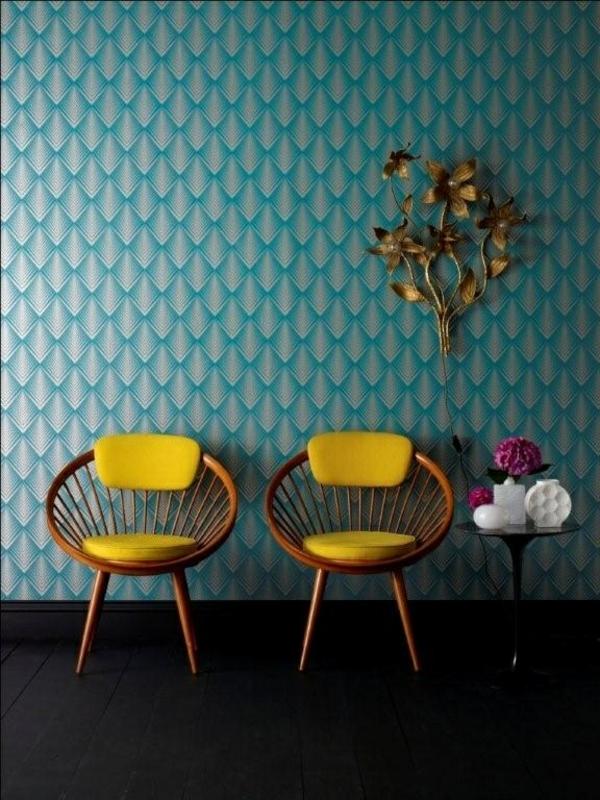 schöne tapeten gelb stühle rund holz