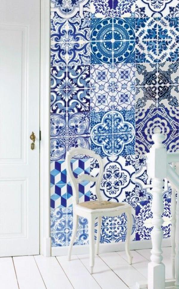 schöne tapeten patchwork blau fliesentapeten