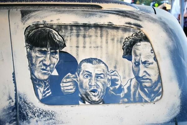 schmutzige-autos-kunst-staub-gemälde-lustig