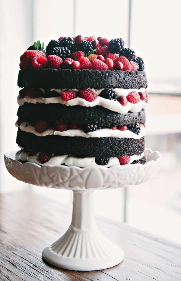 schokoladenkuchen brombeeren himbeeren schichten