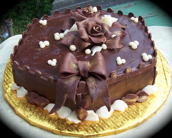 schokoladenkuchen rose schleife weiße schokoperlen
