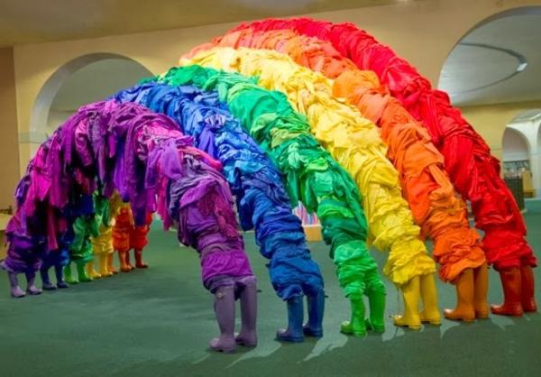 Second hand kleidung einzigartige kunsst cke von guerra for Regenbogen dekoration