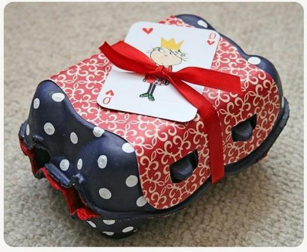 selbstgemachte weihnachtsgeschenke eier päckchen