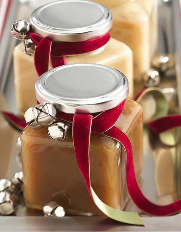 selbst gemachte weihnachtsgeschenke ideen honig gläser samt schleifen