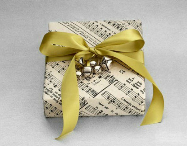 selbstgemachte weihnachtsgeschenke notenpapier