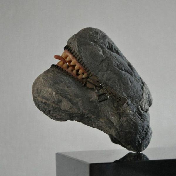 stein skulpturen maul zunge