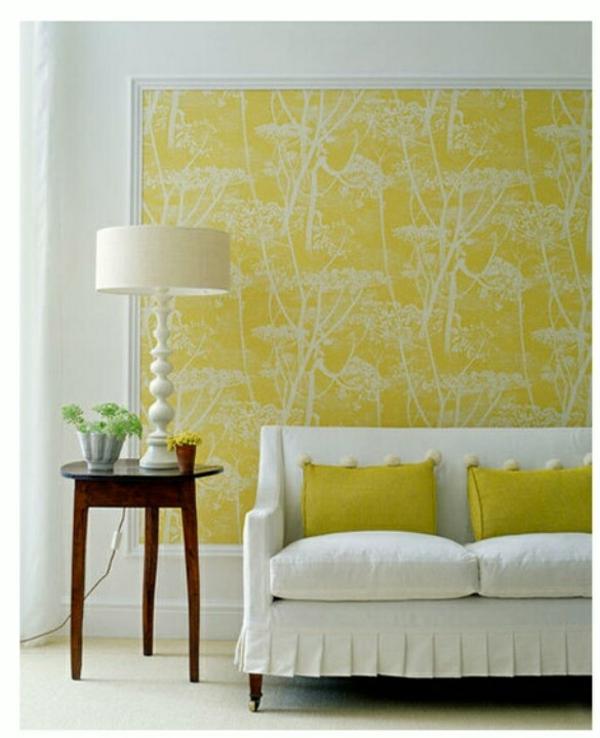 tapeten muster gelb wandfarben sofa