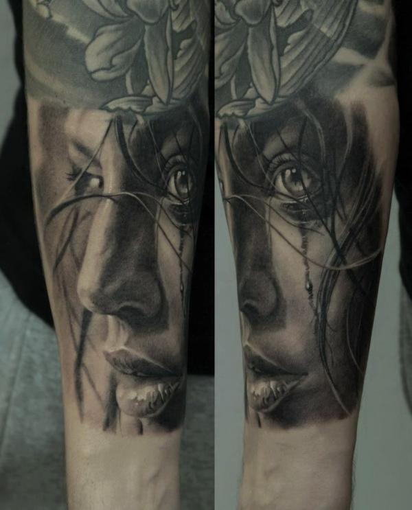 tattoo motive oberarm porträt