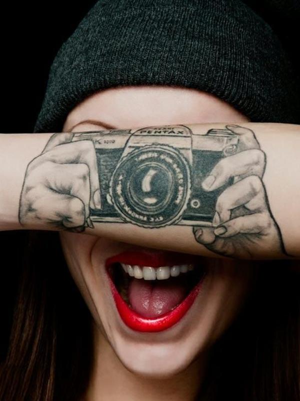 unterarm tattoo vorlagen fotos camera