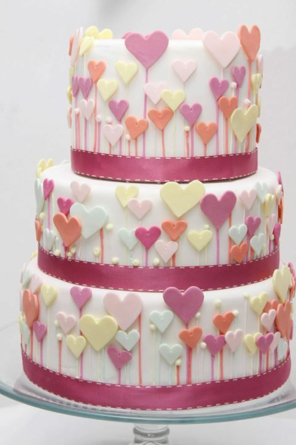 Heart Fondant Cake Images : Valentinstag Torte und Cupcakes selber machen