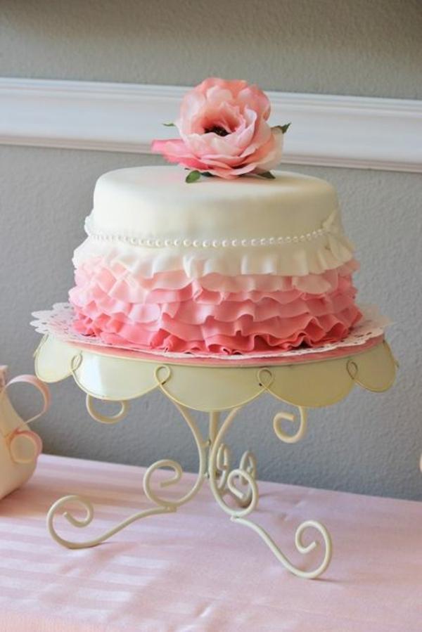 valentinstag torte rose weiße perlen