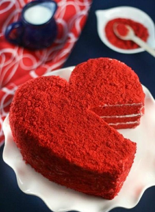 valentinstag torte rot herzform