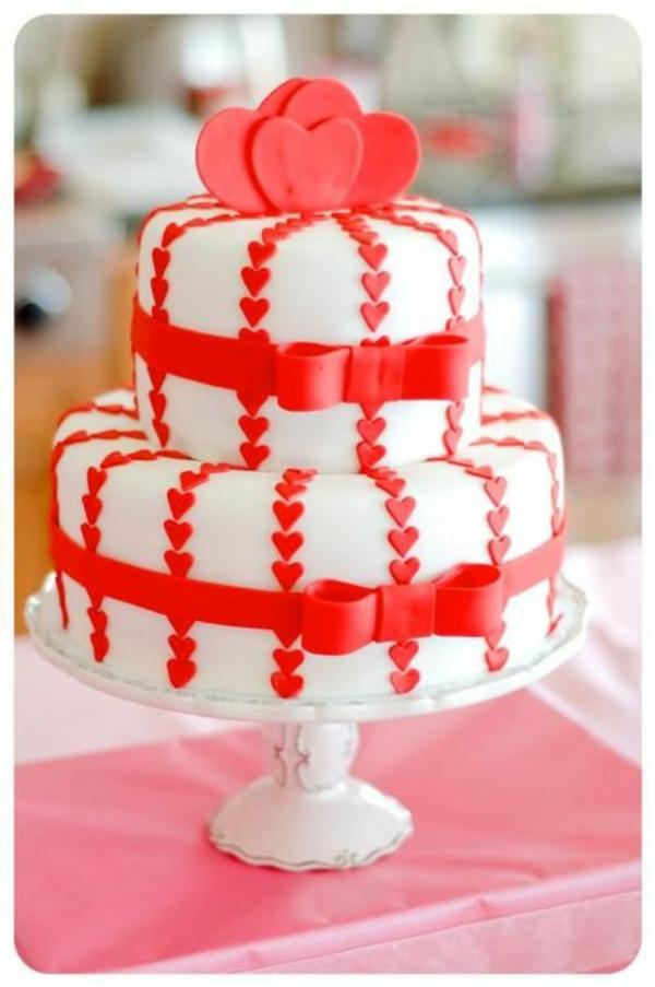 valentinstag torte zwei etagen schleifen herzen