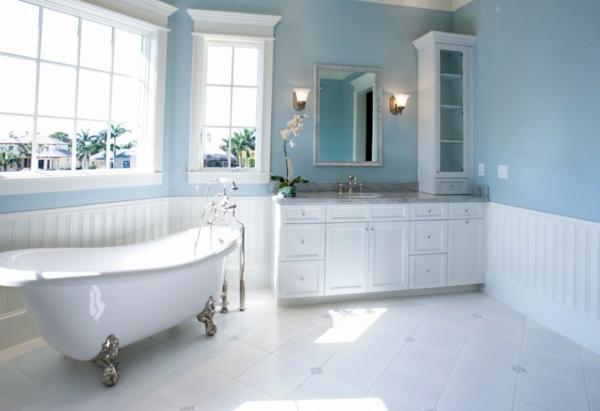 Badezimmer Türkis Farbe : Badezimmer Wei  T Rkis Bilder Spiegel Oben Sockel