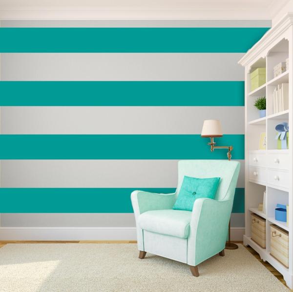 wandfarbe türkis weiß wohnzimmer breite streifen