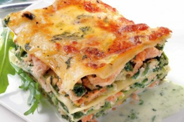weihnachtsessen rezepte spinat lachs lasagne. Black Bedroom Furniture Sets. Home Design Ideas