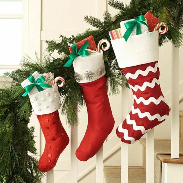 weihnachtsbasteleien nikolausstiefel nähen rot bastelideen für weihnachten