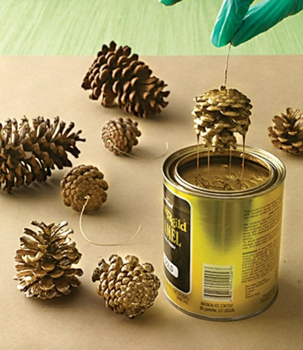 weihnachtsbaumschmuck tannenzapfen färben bastelideen