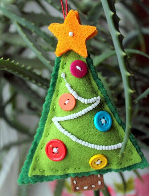 weihnachtsbaumschmuck basteln und den tannenbaum originell. Black Bedroom Furniture Sets. Home Design Ideas
