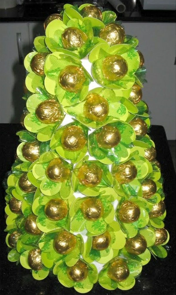 weihnachtsdeko tropischer art süßigkeiten prallinen baum