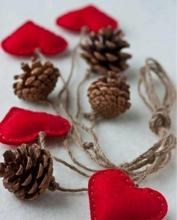 weihnachtsdekoration baumanhänger herzen rot filz