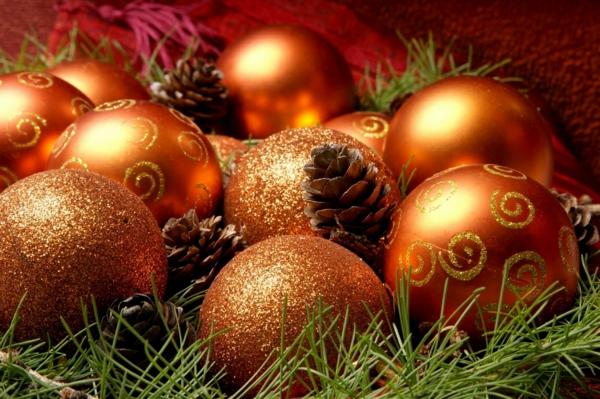 weihnachtsdekoration zapfen weihnachtsschmuck orange gold