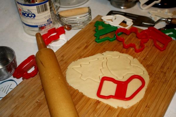 weihnachtsplätzchen ausschneideform teig