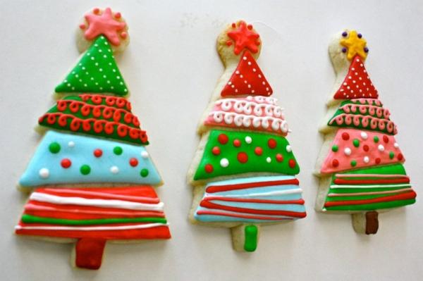 weihnachtsplätzchen einfach arangieren tanne farbig