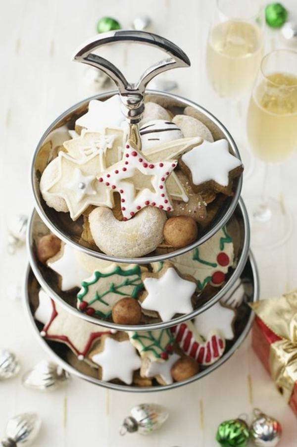 weihnachtsplätzchen einfach arangieren tannen sterne