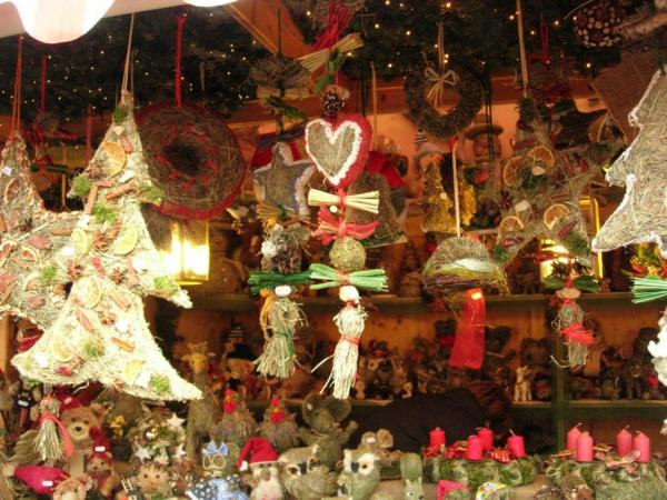 weihnachtsurlaub in deutschland weiihnachtsmarkt natur weihnachtsschmuck