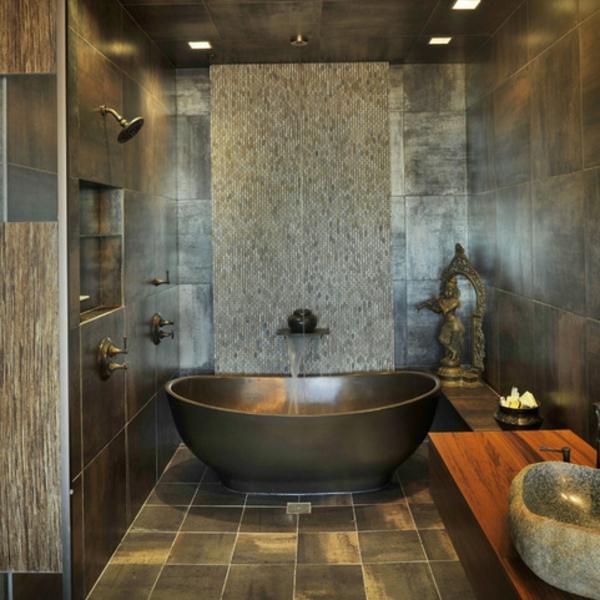 fliesen mit Metalloptik badgestaltung badewanne