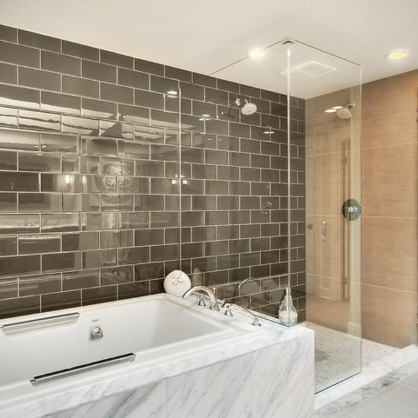 Badfliesen mit Metalloptik badgestaltung marmor