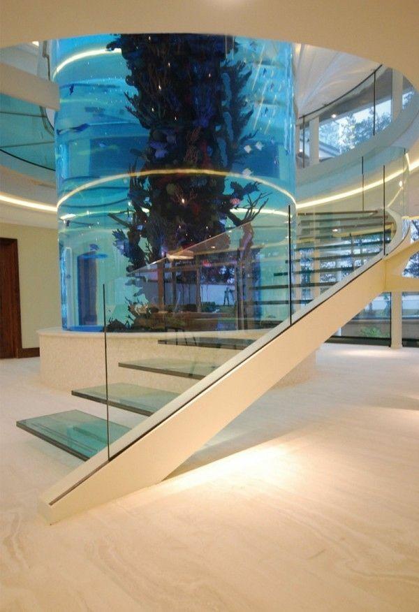 Brillante glas Aquarium Dekoration treppe
