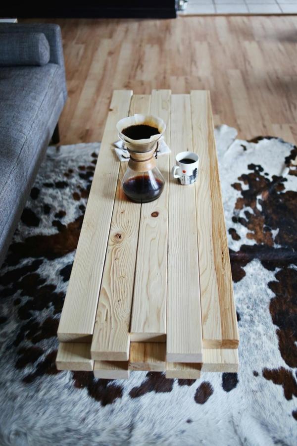 Couchtisch Holz tiermuster teppich