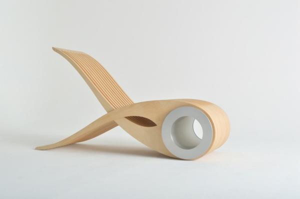 Das Stuhl Design Exocet In Praktischer Klammerform Zum Verstauen