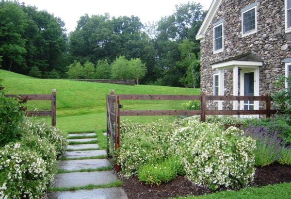 Gartenzäune gras wiesen Holz ideen fußweg