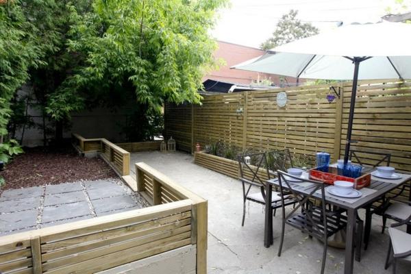 Gartenzäune Holz Sichtschutz ~ Gartenzäune beton platten Holz ideen sichtschutz