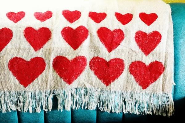 Valentinstag basteln überwurf herzen Geschenke