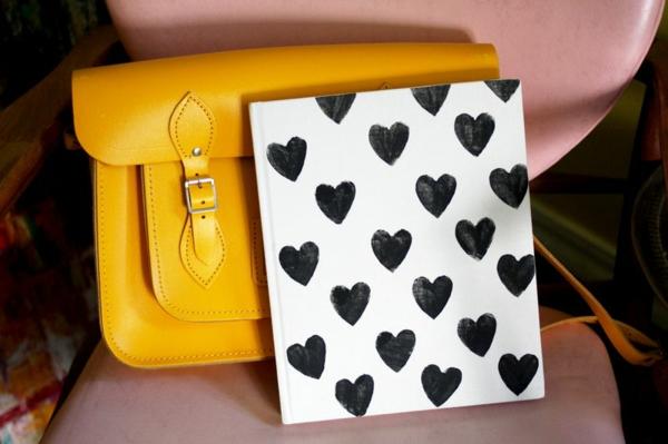 Geschenke zum Valentinstag basteln buchumschlag