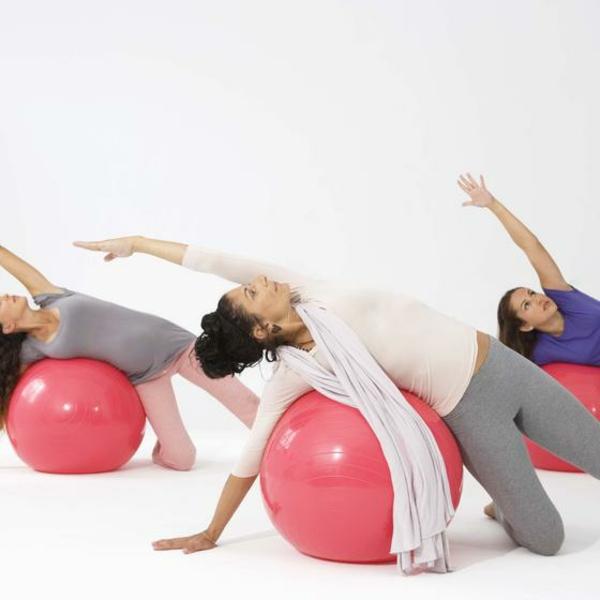 Gymnastikball Übungen abnehmen leicht gemacht