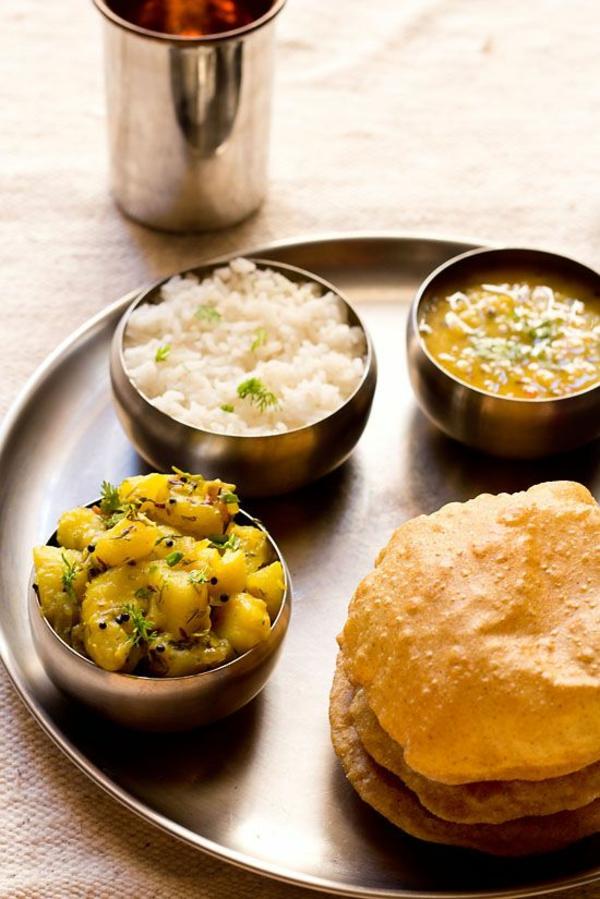 Indisch kochen indisches Essen vegetarisch Poori bhaji