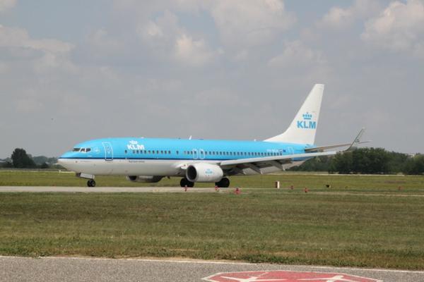 KLM FLugzeug übernachten design blau