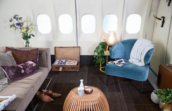 KLM FLugzeug übernachten sitzecke