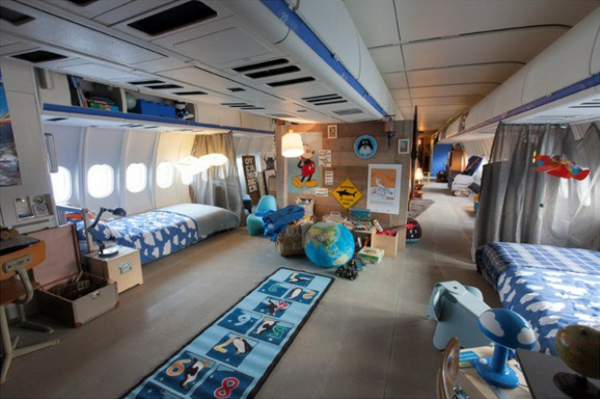 KLM Flugzeug übernachten teppiche