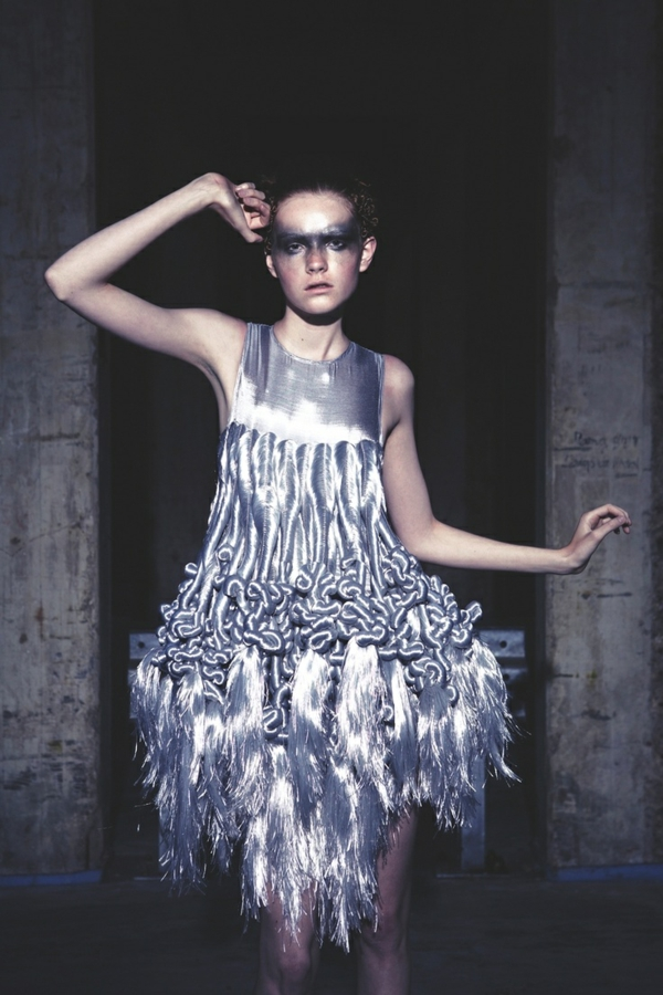abendkleid in Silber details mode