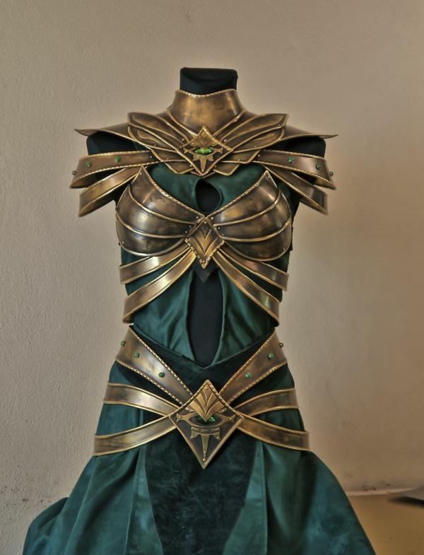 Kleid abgenutzt antik aussehen Silber historisch motive