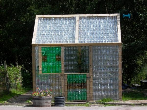 Kleines Gewächshaus selber bauen pflanzen