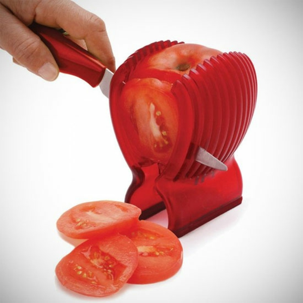 Lustige Küchenhelfer Küchengeräte tomaten schälen