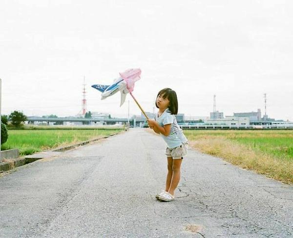 Nagano Toyokazu tochter lustige kinderfotos flugzeug